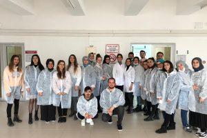 """""""Temel Gıda Mikrobiyolojisi Uygulama Eğitimi"""" Sertifika Programı Tamamlandı"""